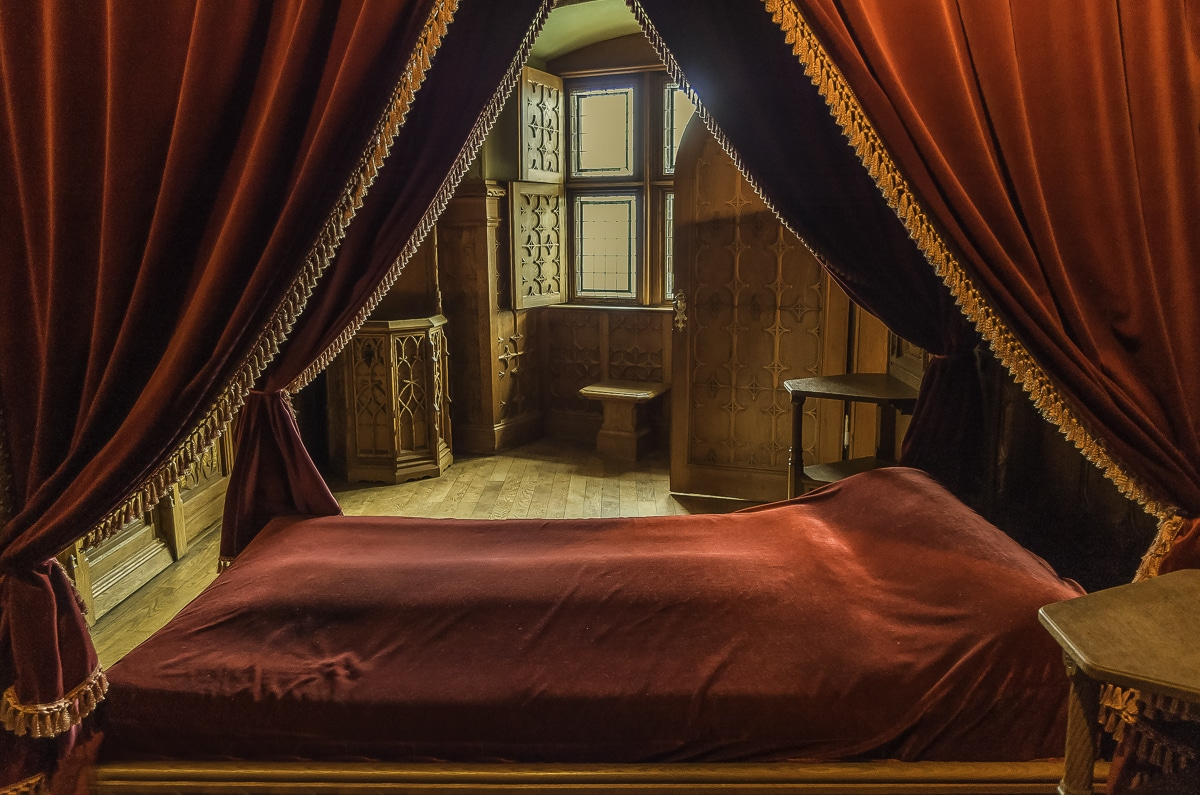 A bedroom inside the castle